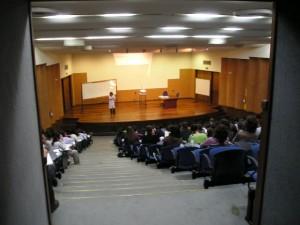 40歳を超えた社会人が一から英会話を勉強する際に選ぶべき英会話スクールについて