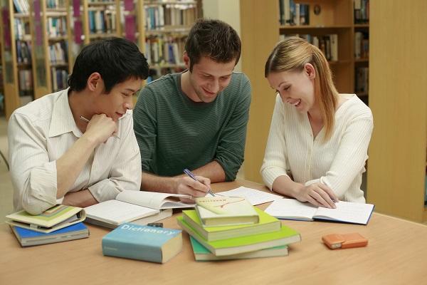 「英語チャンク」が重要な理由:日本語を上手に話す外国人はどんな方法で勉強したのか?