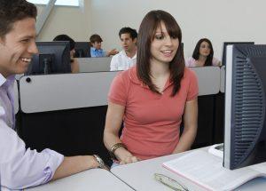 オンライン英会話のレッスンでは、自分で用意した教材を使ってレッスン出来ますか?