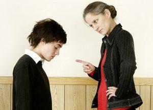 レッスン費用の安い英会話スクールに利用した際に起こりえる問題とは?